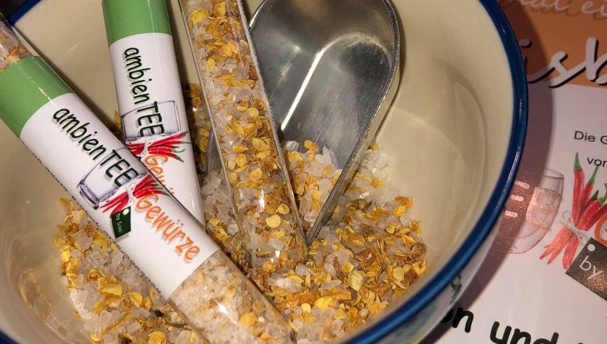 Tabasco Salz im Reagenzglas