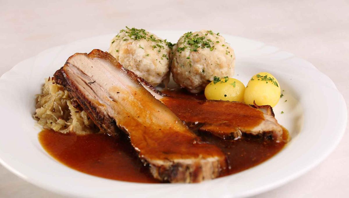 Ofenfrischer Spanferkelbraten vom Landschwein | Braunbiersoße