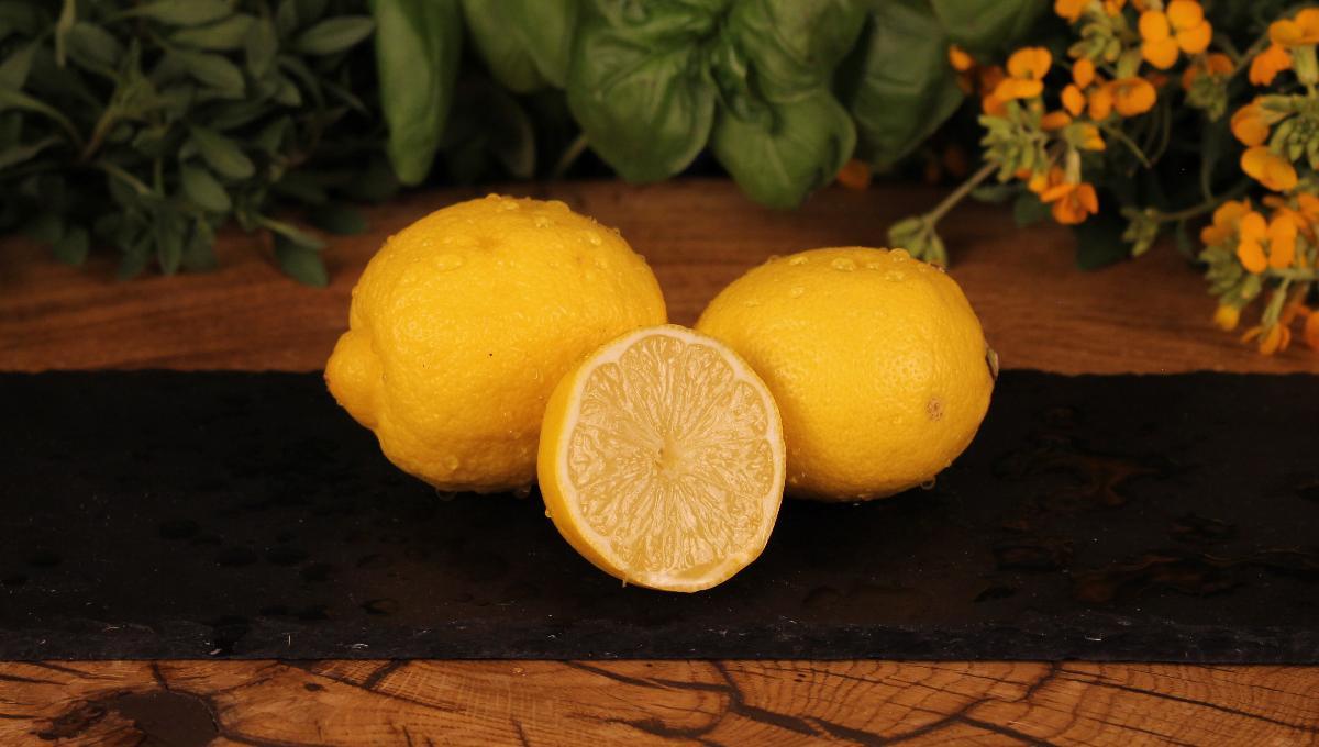 Zitrone Stück
